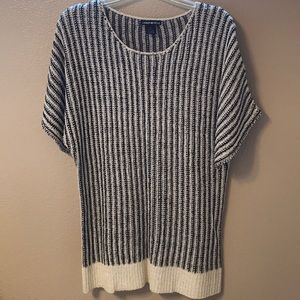 Lauren Michelle Sweater, Size M. NWT